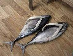 Risultati immagini per le scarpe più strane del mondo