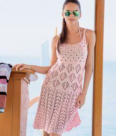 Связанное коллажем из красивых ажурных узоров, это платье мягко облегает фигуру.     РАЗМЕРЫ 36/38 (44/46) ВАМ ПОТРЕБУЕТСЯ Пряжа (74% хлопка, 26% льна; 100 м/50 г) — 450 (550) г розовой; спицы №4 и 5.…