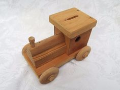 "WOODEN TRUCK COIN BANK, All Natural Wood Truck Jeep Coin Bank Toy 7""L 5""Ht #Unbranded"