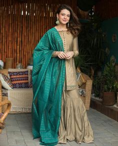 Party Wear Indian Dresses, Indian Fashion Dresses, Pakistani Fashion Party Wear, Designer Party Wear Dresses, Pakistani Dresses Casual, Pakistani Wedding Outfits, Pakistani Dress Design, Indian Designer Outfits, Casual Dresses