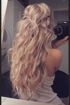 one & a quarter barrel curling iron will create these pretty long wavey curls, pinning some back will create volume at the root.  #repost #longhair #curls follow me Jacki Jeffkin for more inspiration !
