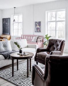 Discover All Of These Gorgeous Hygge Decor Ideas You Can Incorporate Into Your Home Year Round