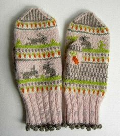 glitzknitsboutique:    The Tale of Little Rabbit mittens by Olga Beckmann