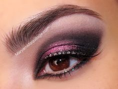 Valentine's Day inspired: pink and purple smokey eye makeup look tutorial! This is so beautiful.
