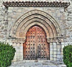 Córcoles, La Alcarria, provincia de Guadalajara - Portada Románica, iglesia parroquial de la Asunción, S. XIII