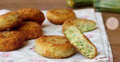 Polpette di zucchine e ricotta facili e velocissime da preparare con le zucchine crude da cuocere in padella, fritte o anche al forno.