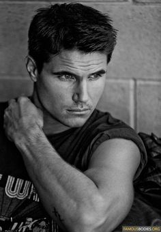 Robbie Amell as Louis.