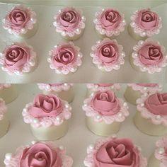 Pães de mel. #benditosbrigadeiros #doces #docesmodelados #docespersonalizados #flowers ...