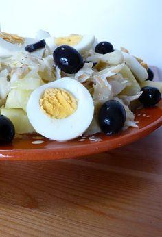 Quelques plats traditionnels de la cuisine portugaise sont nommés pour leurs créateurs. Morue à Gomes de Sá, une recette traditionnelle portugaise.