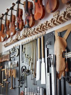 Esther Bornand : Luthier, violin maker (music), Violas, Cellos, Violins (music), wood