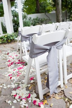 Garden Wedding Venue | Gray Chair Ties - Photo: Evin Photography