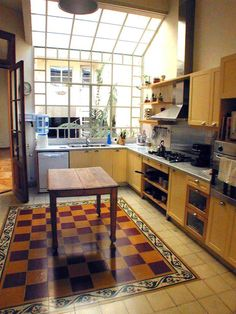 Mezclando lo nuevo con lo viejo New Kitchen, Kitchen Decor, Chettinad House, Recycled House, Courtyard House, Big Houses, Architectural Elements, Inspired Homes, House Rooms