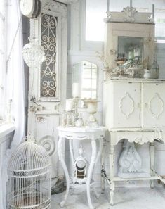Stunning Shabby Chic Interior Small Spaces Ideas - 6 Refined Cool Tips: Shabby Chic Decoracion Vintage shabby chic furniture projects.Shabby Chic Diy C - Blanc Shabby Chic, Cottage Shabby Chic, Shabby Chic Mode, Shabby Chic Vintage, Shabby Chic Farmhouse, Shabby Chic Living Room, Shabby Chic Kitchen, Shabby Chic Decor, Farmhouse Curtains
