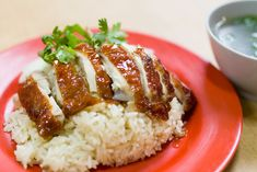 Yummy Hainanese Rice with Roast Chicken. Roasted Chicken Rice Recipe, Hainanese Chicken Rice Recipe, Roast Chicken And Rice, Chicken Rice Recipes, Steamed Chicken, Hainanese Rice, Healthy Dinner Recipes, Cooking Recipes, Healthy Foods