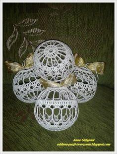 Crochet Christmas Ornaments, Christmas Crochet Patterns, Christmas Bells, Ball Ornaments, Christmas Baubles, Christmas Time, Christmas Crafts, Christmas Decorations, Crochet Ball