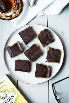 coconut cashew date bars with dark chocolate
