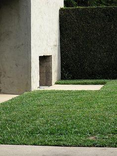 Rudolf M. West Hollywood, Hollywood California, Schindler House, Oscar Niemeyer, Outdoor Landscaping, Hearth, Interior Architecture, Minimalism, Sidewalk