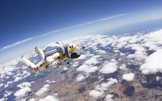 World record sky dive from stratosphere