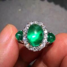 Alan Chang @taiwan_kunlun_jewelry. Beautiful jewellery.