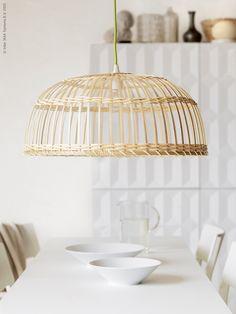 Att tänka hållbart och inreda med förnyelsebara naturmaterial är en trend som inte går ur tiden. Idag, fredagen den 27 mars, släpper vi den tillfälliga kollektionen NIPPRIG, ett kreativt designsamarbete mellan IKEA och lokala producenter i Indonesien och Vietnam.