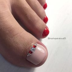 Gorgeous Classic Pedicures In Red ❤️ Toe nail colors for summer toe nail colors fall toe nail colors for winter neutral toe nail colors – from now on all can be found in one place! Pedicure Colors, Pedicure Designs, Pedicure Nail Art, Toe Nail Designs, Toe Nail Art, Nails Design, Pedicure Ideas, Best Toe Nail Color, Nail Polish Colors
