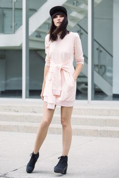 50 Chic Minimalist Outfits to Copy This Season   StyleCaster