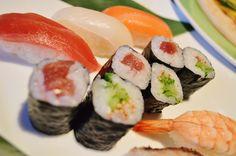 毎週木曜日開催!和洋創彩 富士乃響は、おまかせにぎり寿司・押し寿司が半額!(^-^≡^-^)