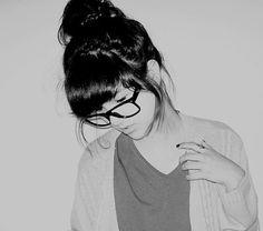 cute pictures like this make me want to cut my bangs short againnnn