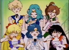 超絶に胸が痛んでいるあなたの上司 Being a Sailor Scout & keeping Sailor Moon inline can really work up an appetite...