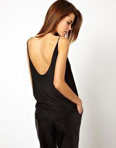 Imagen 1 de Top estilo camisola con espalda redonda de ASOS