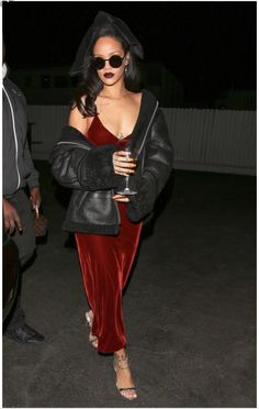 55aa3e78d8 celebritiesofcolor  Rihanna at Giorgio Baldi Restaurant in Santa Monica