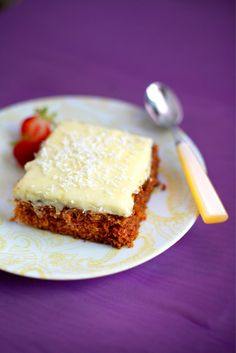 Tiinan mehevä porkkanakakku // Tiina´s Best Carrot Cake ever Food & Style… Sweet Desserts, Delicious Desserts, Dessert Recipes, Yummy Food, Finland Food, Finnish Recipes, Cake Bars, Something Sweet, Carrot Cake