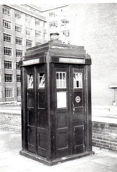 Classic Doctor Who, Watch Doctor, Police Uniforms, Doctor Who Tardis, Police Box, Dalek, Good Doctor, Time Lords, Blue Box