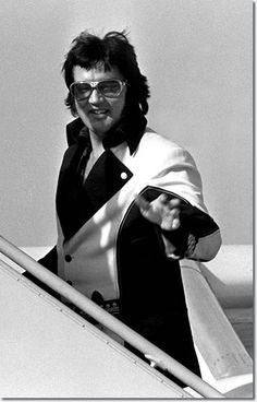 22nd March 1976 - at Airport - Leaving Cincinatti for St. Louis