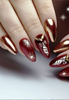 Want some ideas for wedding nail polish designs? This article is a collection of our favorite nail polish designs for your special day. Christmas Nail Designs, Nail Designs Spring, Christmas Nail Art, Christmas Ideas, Xmas Nails, Holiday Nails, Nail Polish Designs, Nail Art Designs, Gorgeous Nails