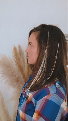 Feathers in hair american rooster. Beautiful girl. Красивое наращивание перьев в волосы. Бохо стиль для свободных духом Feathered Hairstyles, Boho Jewelry, Boho Decor, Feathers, Dream Catcher, Boho Fashion, Hair Styles, Beauty, Beautiful