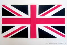 Molli Sparkles Union Jack Block Tutorial Hey, my faves! The day is finally here for the release of my Union Jack block tutorial. This is my very first-ever-in-the-whole-wide-sparkly-world tutorial… Flag Quilt, Star Quilts, Quilt Patterns Free, Pattern Blocks, Block Patterns, Union Jack Pillow, Modern Quilt Blocks, Foundation Piecing, Quilting Tutorials
