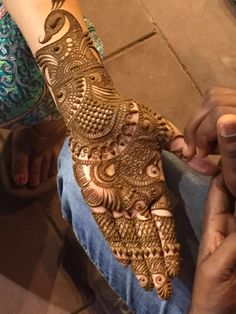 Henna Tattoos Designs images are present on this article.Tattoos designs looks beautiful and elegant. Mostly teenagers like to apply tattoos. Peacock Mehndi Designs, Full Mehndi Designs, Indian Mehndi Designs, Latest Bridal Mehndi Designs, Stylish Mehndi Designs, Mehndi Designs For Beginners, Mehndi Design Pictures, Wedding Mehndi Designs, Henna Tattoo Designs