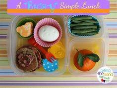 Quick and Easy Bear Breakfast-For-Lunch Bento. Good hard boiled microwave egg tip! Easy Lunch Boxes, Bento Box Lunch, Box Lunches, School Lunches, Microwave Eggs, Lunch Containers, Bento Ideas, Lunchbox Ideas