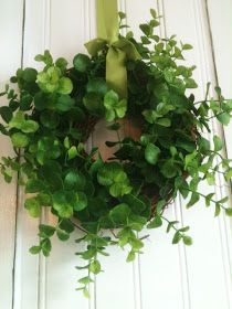 Lemonade: Mini Wreaths