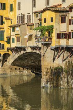 500px / bridge florence italy ponte vecchio river arno