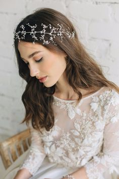 Glorious pearl wedding hair accessory See more here: https://jurgitabridal.com/collections/bridal-hair-accessories/products/pearl-headband
