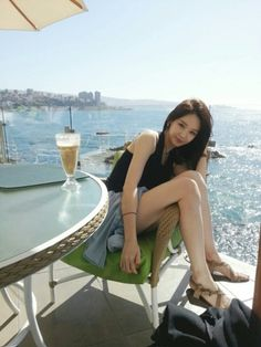 Davichi's Kang Min Kyung updates fans from Chile