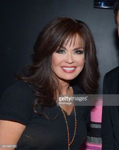 I want my hairstyle more like this. Mom Hairstyles, Funky Hairstyles, Hairstyles For Round Faces, Celebrity Hairstyles, Layered Haircuts For Medium Hair, Haircuts For Long Hair, Medium Hair Styles, Long Hair Styles, Marie Osmond