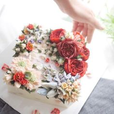 Sugarpress advanced course #flower#frame Attractive 'RED' . . #앙금플라워떡케이크#앙금플라워#목동앙금플라워#취미#플라워클래스#플라워#떡케이크#플라워케이크#한국케이크아트협회#슈가프레스#kcaa#flowercake#bakingclass#flowercakeclass#foodart#instacake#sugarpress#buttercreamflowercake#koreanflowercake#ricecake#cake#flower#buttercream#beancream#fleur#ケーキ#韩式裱花#裱花#蛋糕