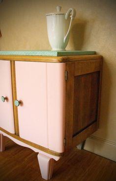 Armoire deux portes dressing pour chambre d 39 enfant meuble vintage r cup transform et repeint for Buffet mado renove