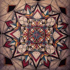 Drawing Flowers & Mandala in Ink - Drawing On Demand Mandala Art, Design Mandala, Mandalas Painting, Mandalas Drawing, Mandala Pattern, Zentangles, Tatoo Elephant, Art Fractal, Fractals