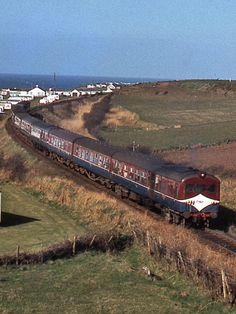Ireland Travel, Northern Ireland, Trains, Irish, Image, Railings, Train, Irish Language, Northern Ireland County