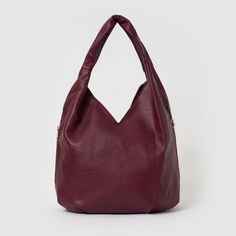 Love Success Hobo Bag by Urban Originals is your ideal everyday hobo vegan slouch bag, taking laid-back luxury to another level. This bag offers enough room to carry your everyday essentials. This super soft vegan slouch bag is a must! Hobo Handbags, Engagement Ring Guide, Slouch Bags, Hobo Bag, Kids Jewelry, Anniversary Bands, Vegan Leather