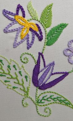 Resultado de imagem para bullion+stitch+embroidery+from+roses+to+wildflowers Hand Embroidery Videos, Hand Embroidery Stitches, Silk Ribbon Embroidery, Diy Embroidery, Embroidery Techniques, Cross Stitch Embroidery, Embroidery Designs, Jacobean Embroidery, Brazilian Embroidery